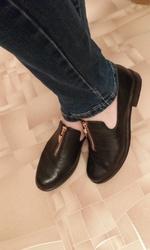 Стильные закрытые туфли на весну 39 размер