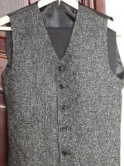 Костюм (брюки, жилет, пиджак) размер 40